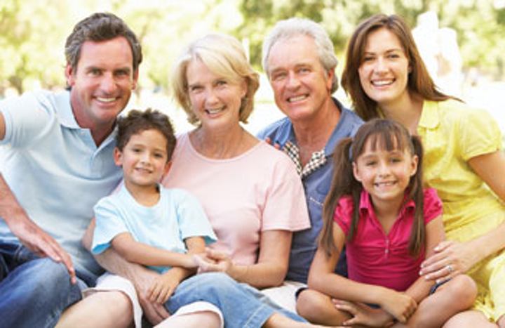 Bigstock Extended Group Portrait Of Fam 13915559