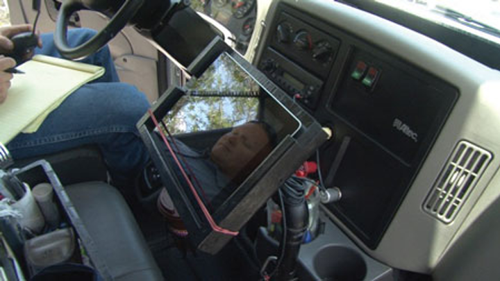 Td Mobile Device Mounted In Truck   Ipad