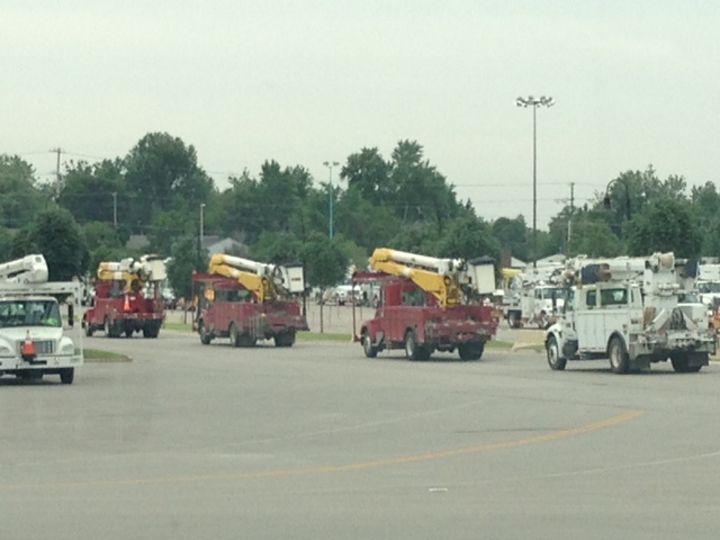 Crews head out to their assignment.