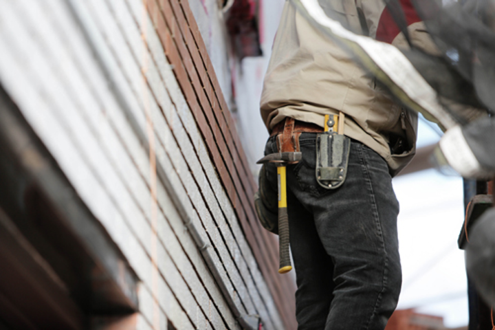 Content Dam Up Online Articles 2018 06 Construction Craftsman Hammer 8092