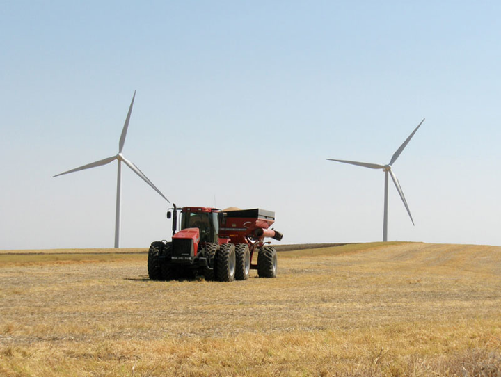 Content Dam Elp Gallery En Articles Slideshow 2015 July Delivering Power To The West Coast A Slideshow Profile Of Pacific Power Marengo Wind Farm Harvest Elp