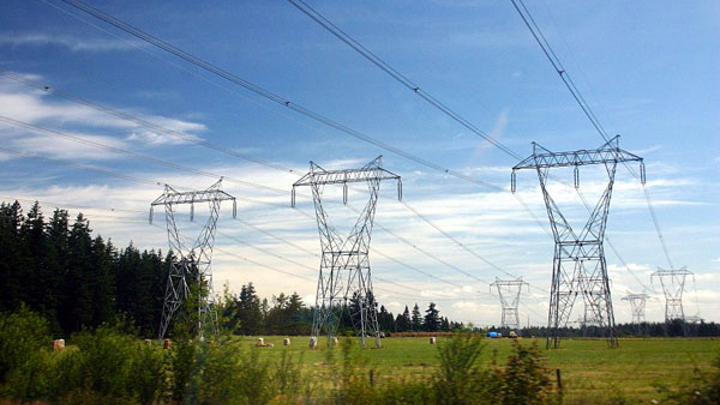 Content Dam Elp Gallery En Articles Slideshow 2015 May Who Is Paying The Most For Electric Power In The U S Electric Transmission Lines Elp 2