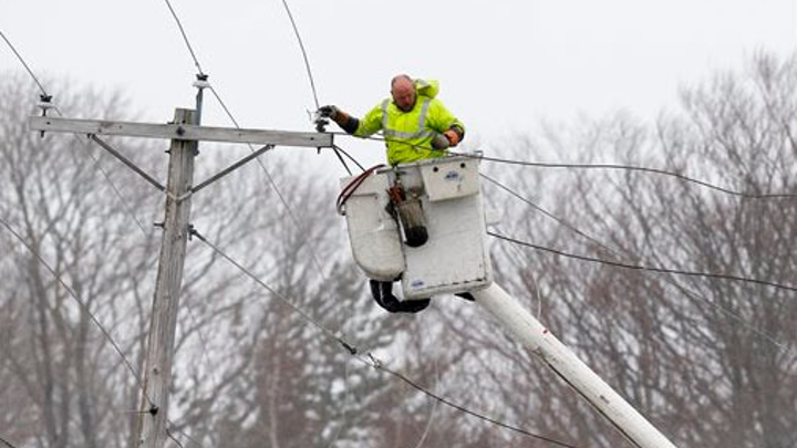 Content Dam Elp Gallery En Articles Slideshow 2015 May Who Is Paying The Most For Electric Power In The U S Massachusetts Utility Worker Distribution Elp