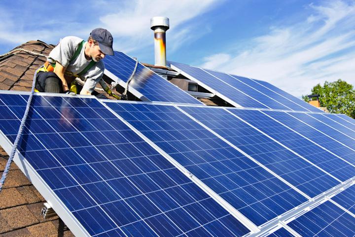 Content Dam Elp Gallery En Articles Slideshow 2016 04 Top 10 Utilities For Solar Power Ladwp Solar Rooftop Elp