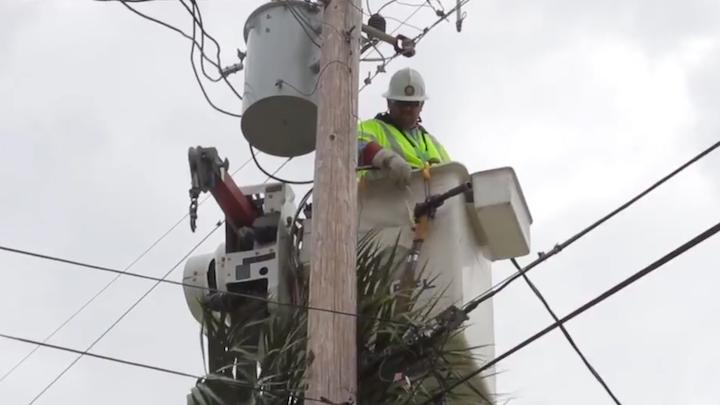Content Dam Elp Gallery En Articles Slideshow 2016 10 Southeast Utilities Respond To Hurricane Matthew 5 Fpl Hurricane Matthew Elp