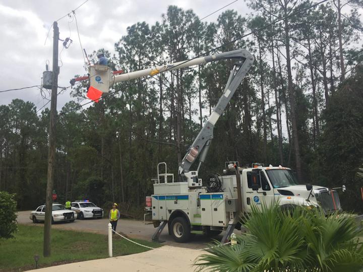 Content Dam Elp Gallery En Articles Slideshow 2016 10 Southeast Utilities Respond To Hurricane Matthew 6 Fpl Hurricane Matthew Elp