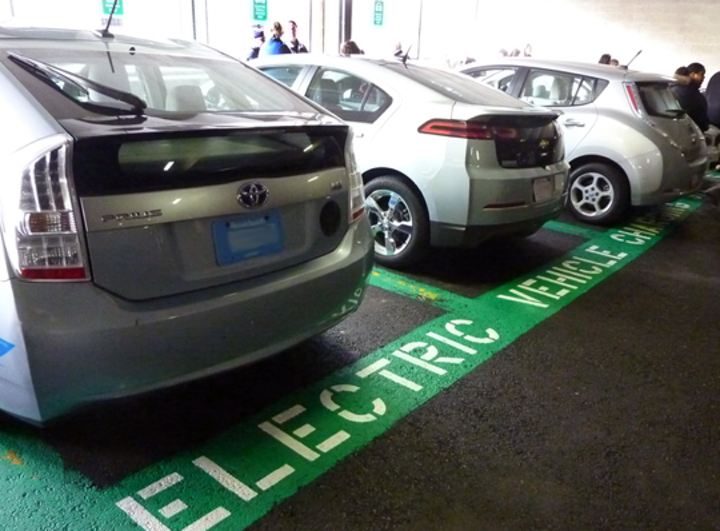 Content Dam Elp Online Articles 2014 06 Electric Vehicles Charging Station