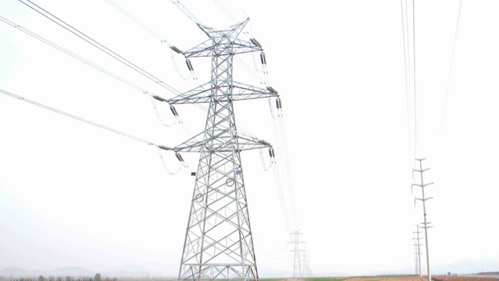 Content Dam Elp Online Articles 2014 06 Transmission Towers 2