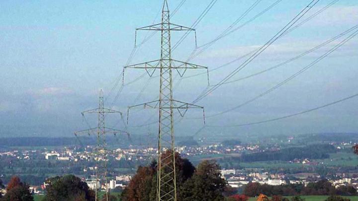 Content Dam Elp Online Articles 2014 08 Power Transmission Lines Elp