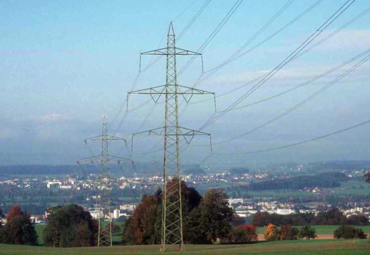 Content Dam Elp Online Articles 2014 08 Power Transmission Lines Elp