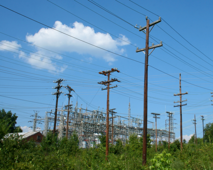 Content Dam Elp Online Articles 2014 08 Utility Poles Transmission And Distribution Elp