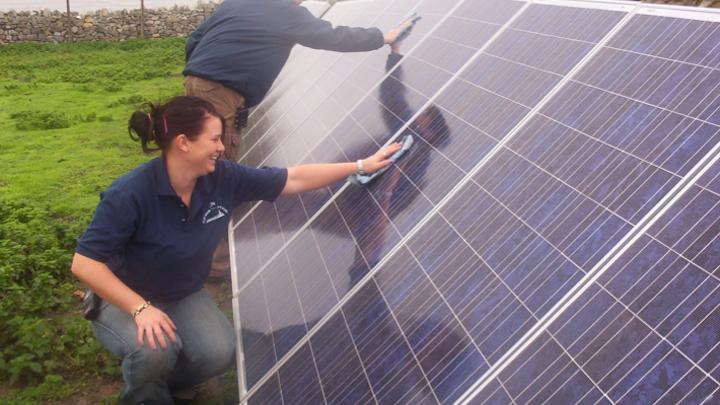 Content Dam Elp Online Articles 2014 09 Solar Power Workers Elp