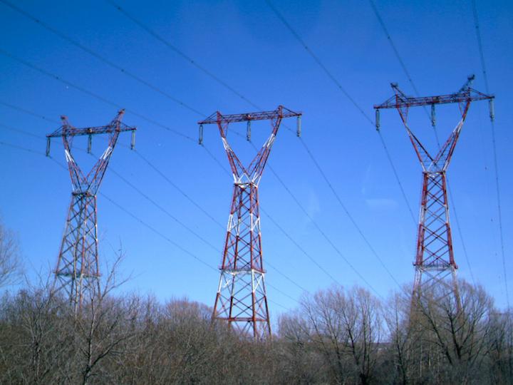 Content Dam Elp Online Articles 2014 09 Transmission Lines 1 Elp