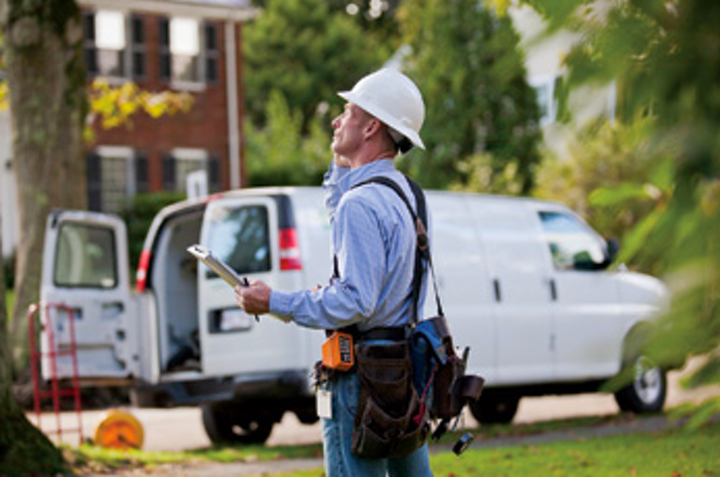 Content Dam Elp Online Articles 2014 10 Utility Worker Mobile Device Elp