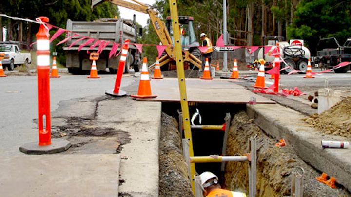 Content Dam Elp Online Articles 2014 11 Underground Electric Distribution Elp