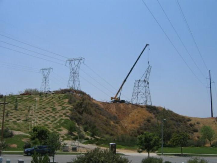 Content Dam Elp Online Articles 2014 12 Transmission Construction 2 Elp