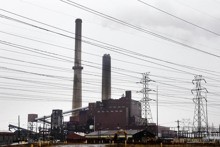 Content Dam Elp Online Articles 2015 April Power Plant Power Lines Elp