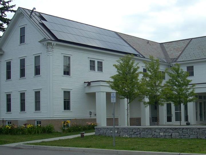 Content Dam Elp Online Articles 2015 April Solar Power Vermont Elp