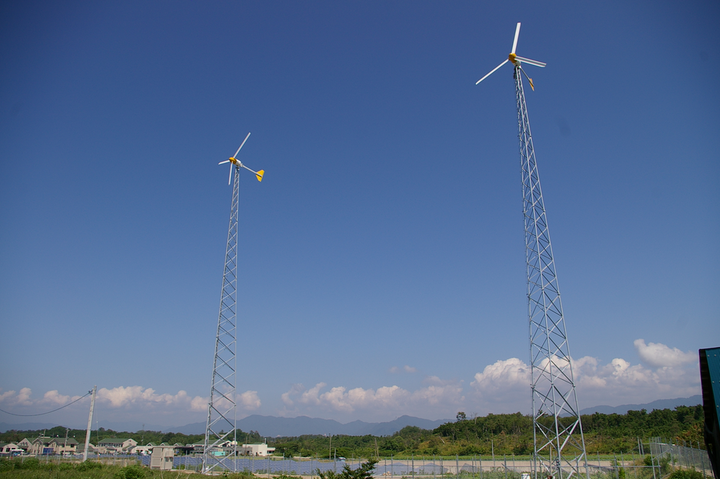 Content Dam Elp Online Articles 2015 July Bergey Windpower Japanese Turbine Installation 2015