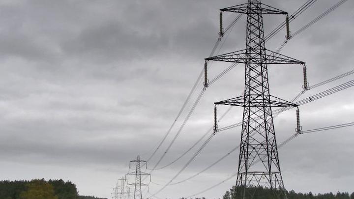 Content Dam Elp Online Articles 2015 June Power Transmission Lines Elp