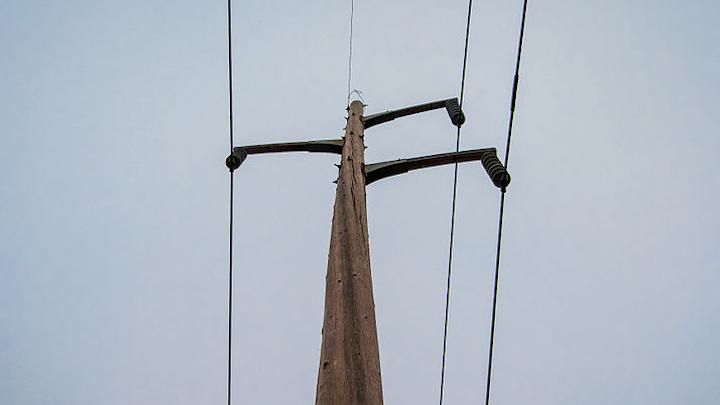 Content Dam Elp Online Articles 2015 June Power Transmission Lines Elp 4
