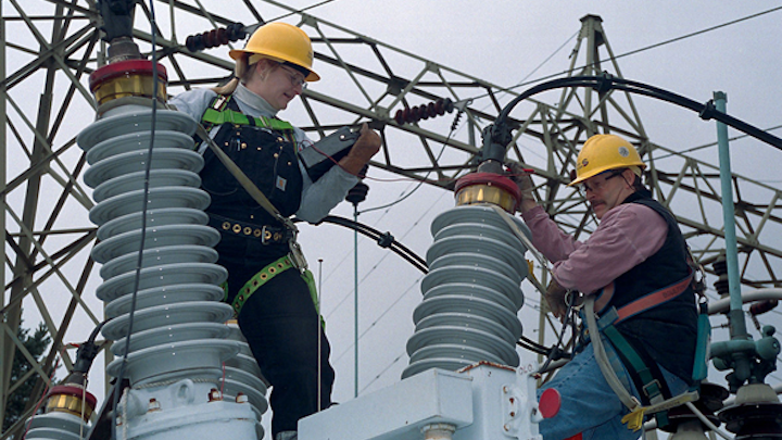 Content Dam Elp Online Articles 2015 March Utility Substation Workers Elp