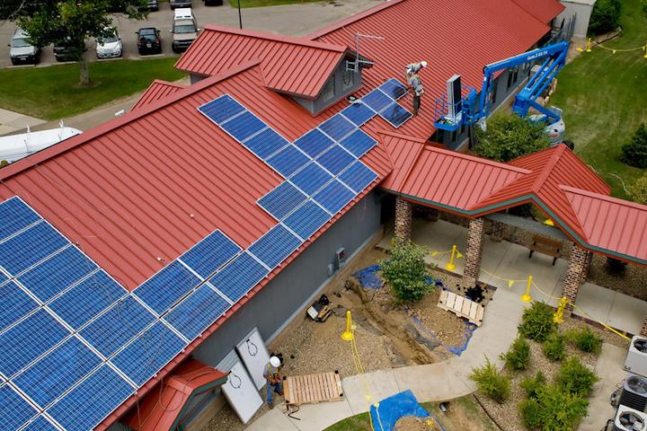 Content Dam Elp Online Articles 2016 07 Rooftop Solar July 6 Elp