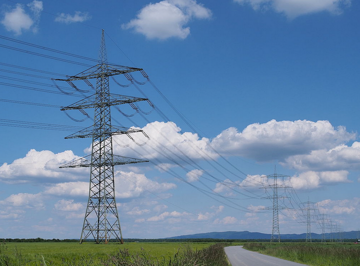 Content Dam Elp Online Articles 2016 07 Transmission Lines July 4 Elp