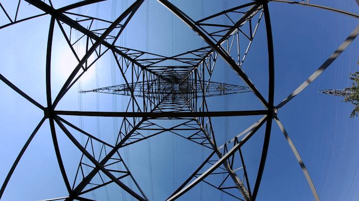 Content Dam Elp Online Articles 2017 06 Electric Utilities Transmission June 19 Elp