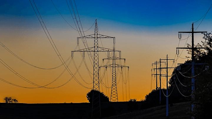 Content Dam Elp Online Articles 2017 06 Transmission Lines June 28 Elp 4
