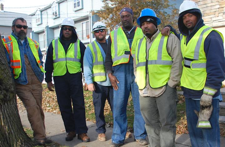 Content Dam Elp Online Articles 2017 09 Utility Workers Sept 12 Elp