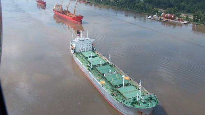 Content Dam Pennenergy Online Articles 2014 08 Mississippi River Vessels