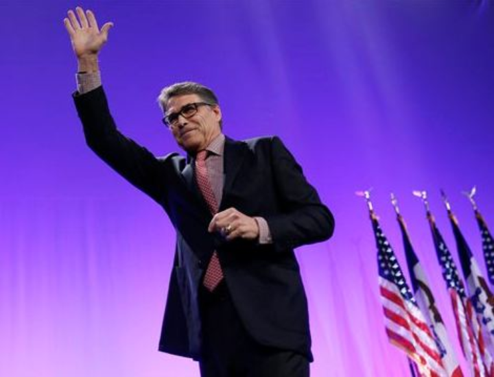 Content Dam Pennenergy Online Articles 2015 May Ap Waving Rick Perry Peptro
