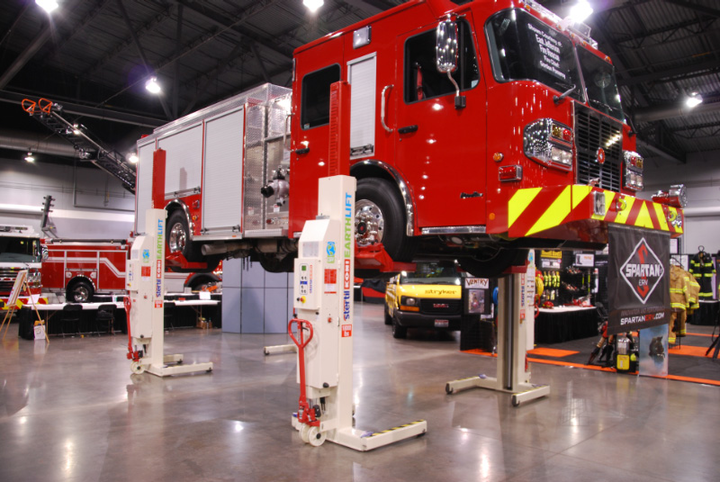 Content Dam Up En Articles 2013 10 Lift Inspection Hydraulic Mobile Column Lift Leftcolumn Article Thumbnailimage File