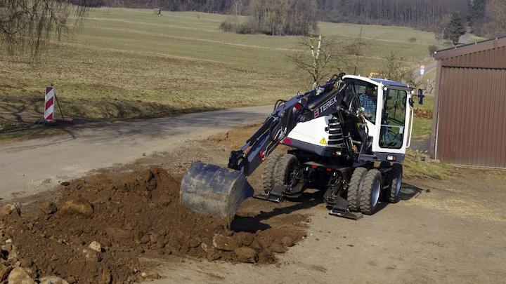 Content Dam Up En Articles 2013 11 Utility Line Construction Wheeled Excavators From Terex0 Leftcolumn Article Thumbnailimage File