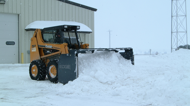 Content Dam Up En Articles 2014 01 Skid Steer Attachments New Edge High Profile Snow Push Attachments Leftcolumn Article Thumbnailimage File