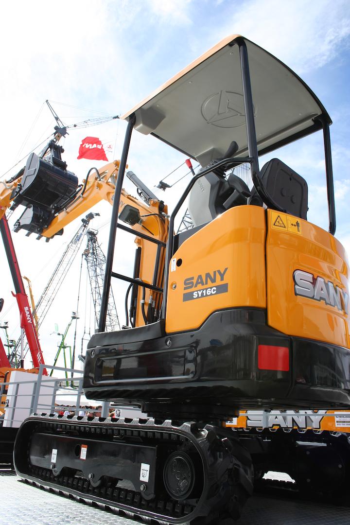 Content Dam Up En Articles 2014 03 Construction Equipment Compact Excavators Introduced At Conexpo Con Agg 2014 Leftcolumn Article Thumbnailimage File