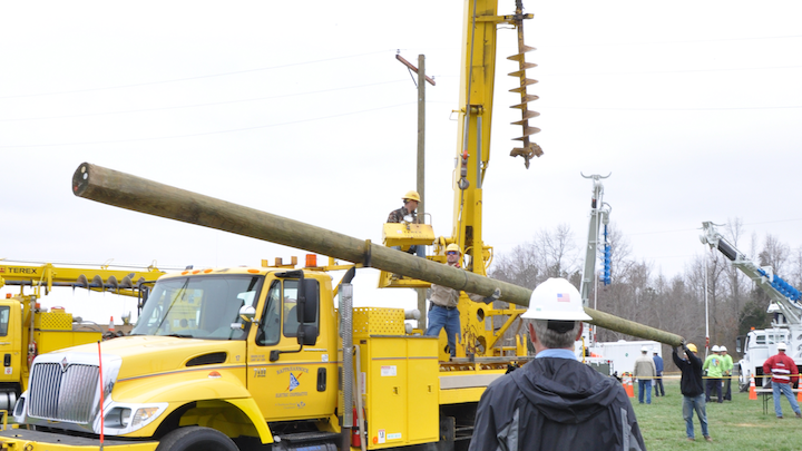 Content Dam Up En Articles 2014 04 Utility Linemen Terex Utilities Sponsors Lineman S And Equipment Operator S Rodeos Leftcolumn Article Thumbnailimage File