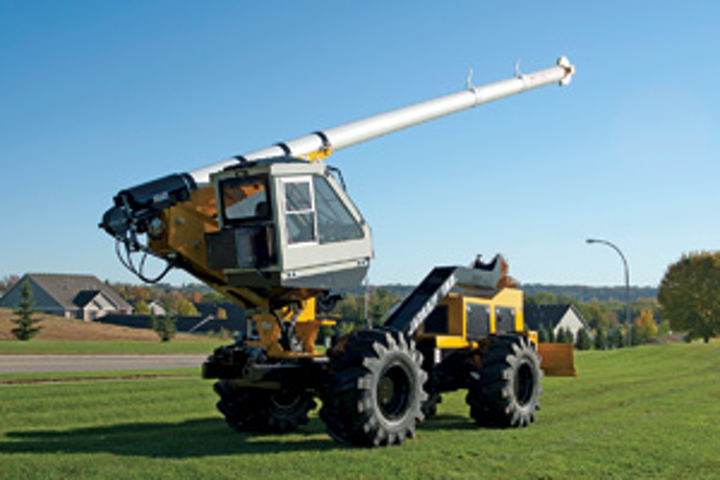 Content Dam Up En Articles 2014 05 All Terrain Tree Trimmers Are Safe Effective Leftcolumn Article Thumbnailimage File