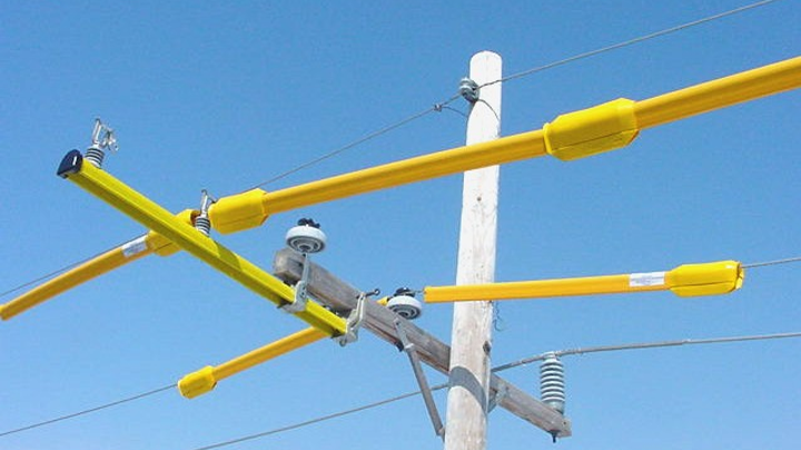 Content Dam Up En Articles 2014 05 Lineman Safety Line Guards Keep Linemen Safe Leftcolumn Article Thumbnailimage File