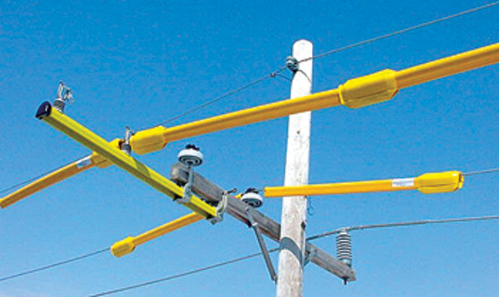 Content Dam Up En Articles 2014 06 Hastings Line Guards Keep Linemen Safe Leftcolumn Article Thumbnailimage File