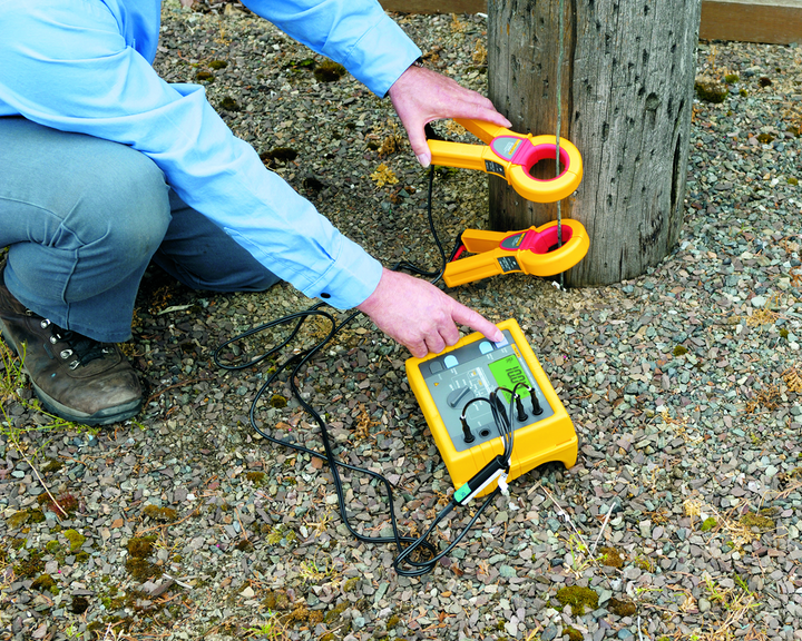 Content Dam Up En Articles 2014 07 Test Equipment Earth Ground Testers From Fluke Leftcolumn Article Thumbnailimage File
