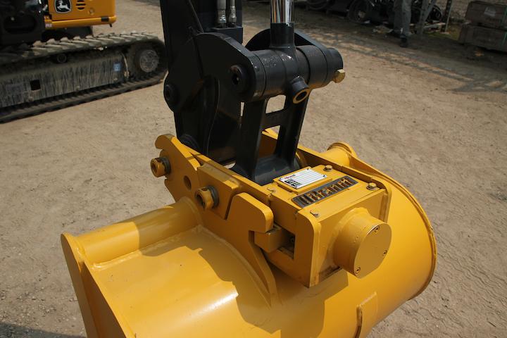 Content Dam Up En Articles 2014 08 Construction Equipment Hydraulic Quick Coupler For Compact Excavators Leftcolumn Article Thumbnailimage File
