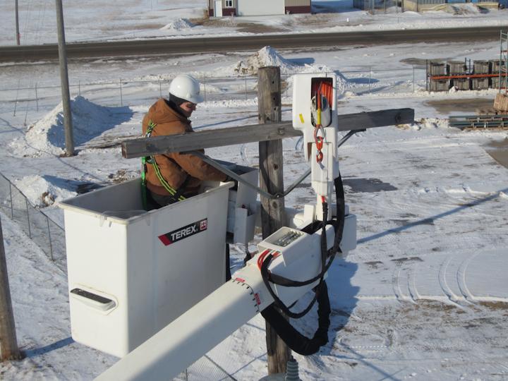 Content Dam Up En Articles 2014 09 Utility Equipment Swing Arm Option Aerial Devices Leftcolumn Article Thumbnailimage File