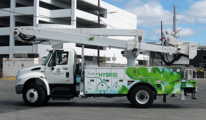 Content Dam Up En Articles 2014 12 Utility Vehicles Hybrid System Equipped Truck Leftcolumn Article Thumbnailimage File
