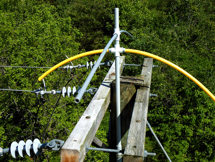 Content Dam Up En Articles 2015 04 Ospreys And Utility Poles Don T Mix Off Sprey Raptor Deterrent Protects Both Leftcolumn Article Thumbnailimage File