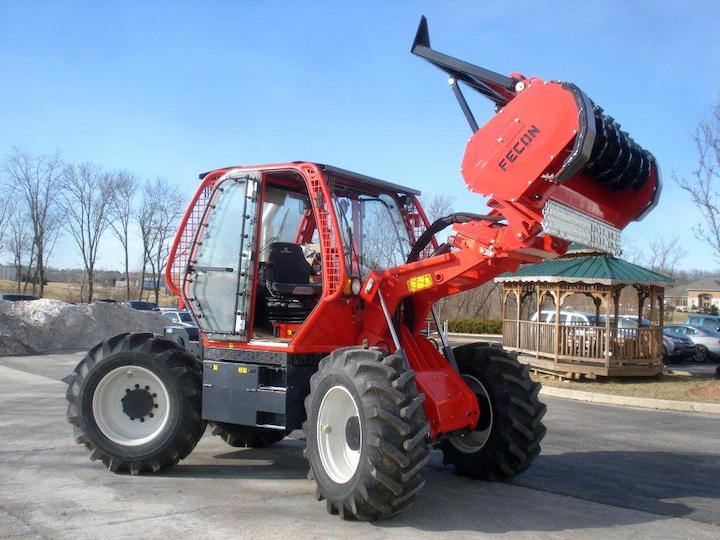 Content Dam Up En Articles 2015 05 Vegetation Management Rtf230 Rubber Tire Mulching Tractor Leftcolumn Article Thumbnailimage File