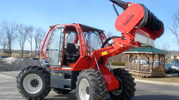 Content Dam Up En Articles 2015 06 Utility Vehicles Rtf230 Rubber Tire Mulching Tractor Vegetation Management Leftcolumn Article Thumbnailimage File