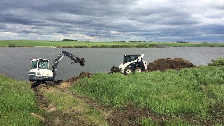 Content Dam Up En Articles 2015 08 Compact Construction Equipment Fleet Donated For Restoration Project Leftcolumn Article Thumbnailimage File