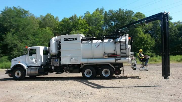 Content Dam Up En Articles 2015 08 Utility Equipment Wrs Hepa High Rail Guzzler Leftcolumn Article Thumbnailimage File